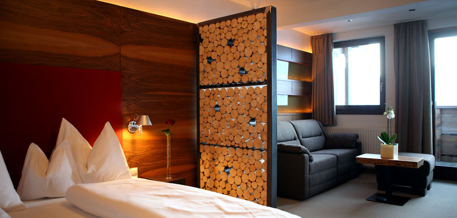 Austria_Hochgurgl_Hotel_Angerer_ Alm_bedroom_lounge.jpg